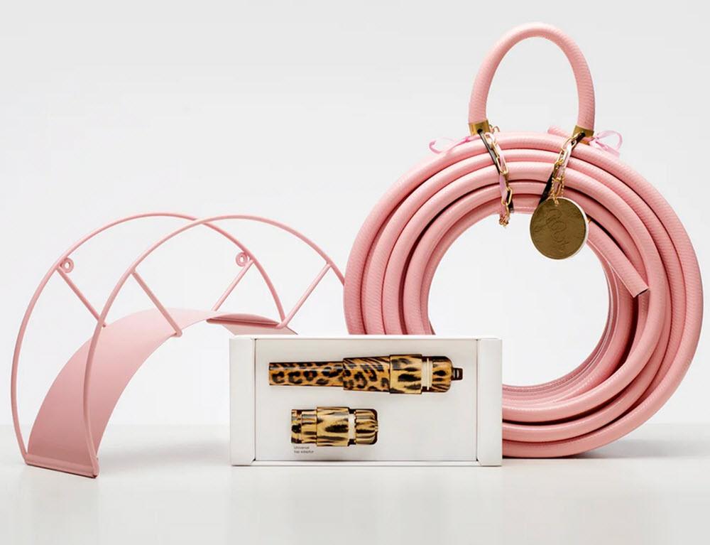 rosa slang och slangfäste